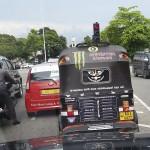 Taxi trois-roues dans les embouteillages à Colombo